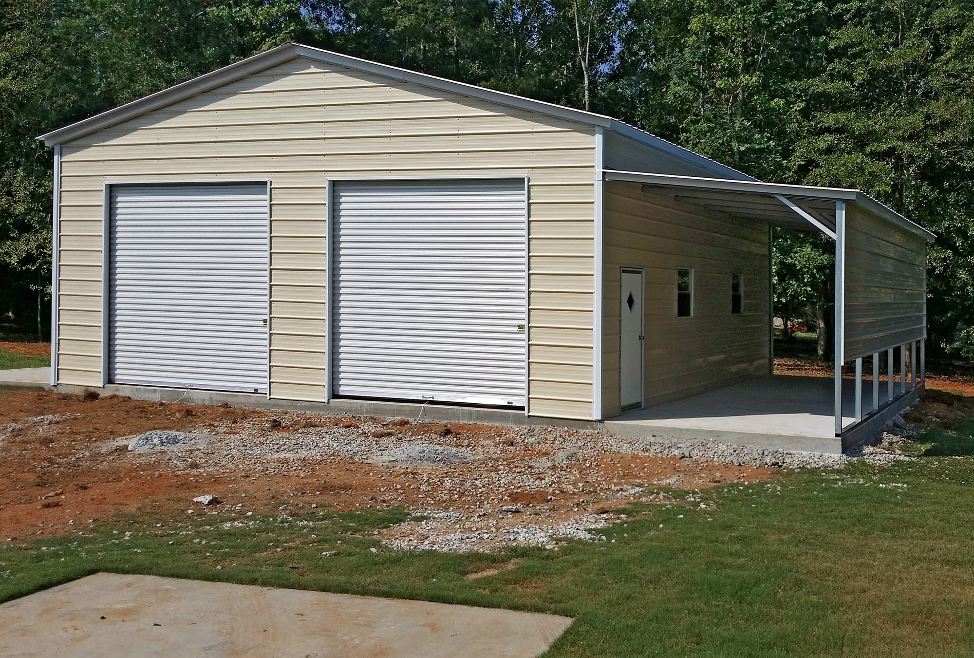 Metal garages carports protect your car from sun rain for Single garage with carport